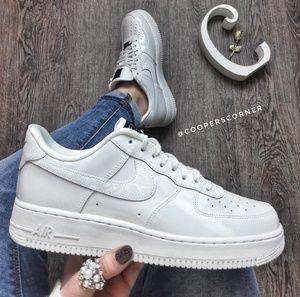 NEW Nike Air Force 1 'O7 LX Pearl White